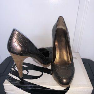 Nine West bronze  heels 8.5